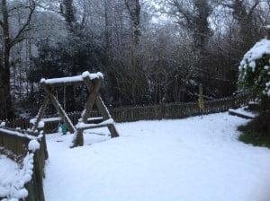 swing-in-snow