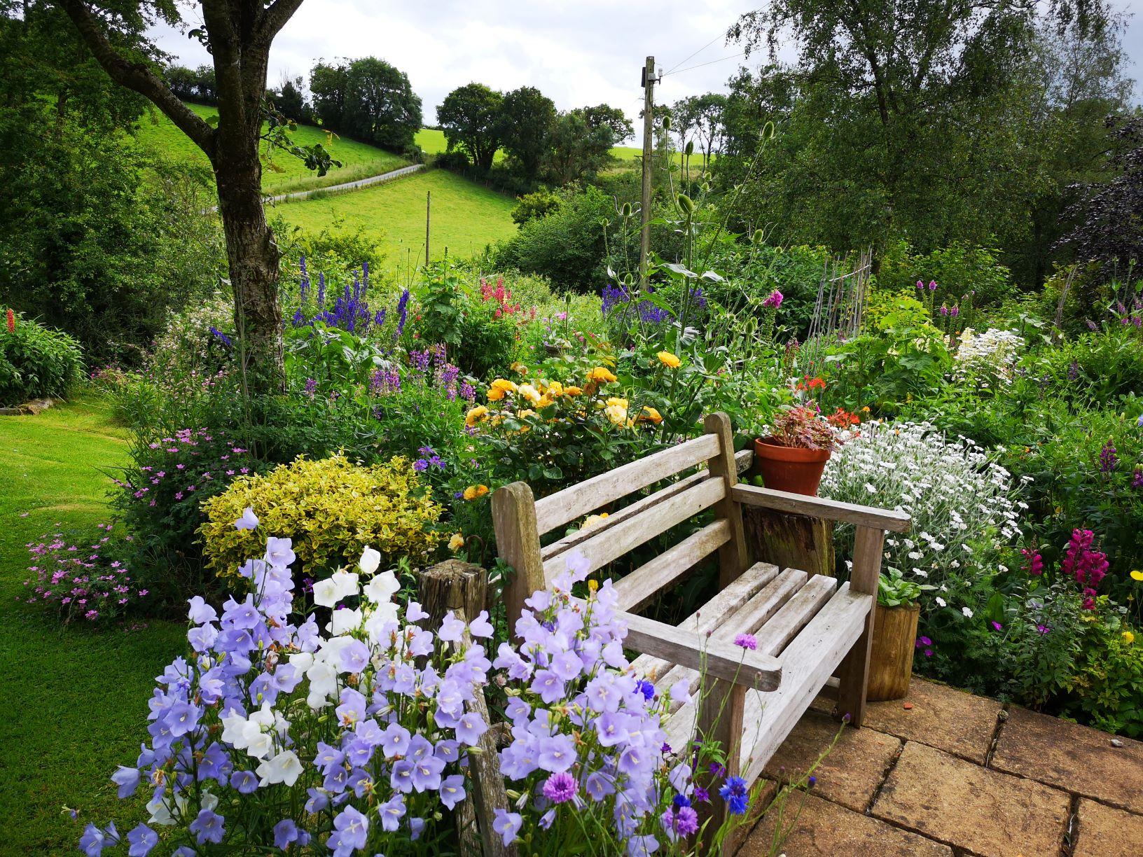 Old Oak Barn Garden